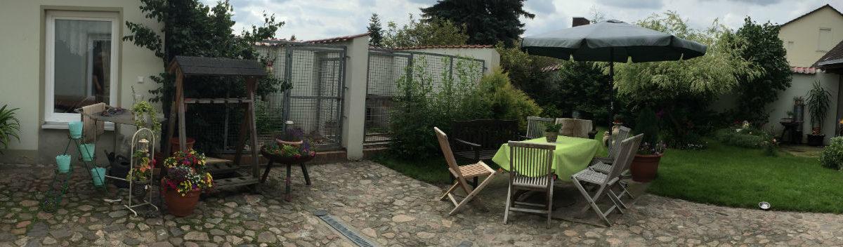 Ferienwohnung-Ruhlsdorf-Innenhof-h350